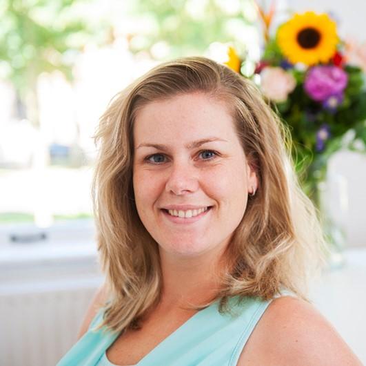 marlou-bos-medewerker-operations-de-nederlandse-farmaceutische-support